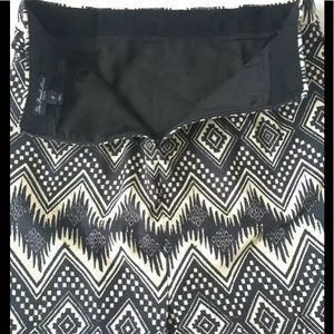 J. Crew Skirts - J Crew The Pencil Skirt Size 2 Black White Print